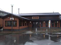 建物自体は新しかった笹津駅