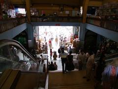 ビンタイ市場入口