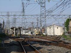 白糸台駅には、多摩川線の車庫が併設