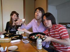 ホテルからの食事はお寿司でした♪