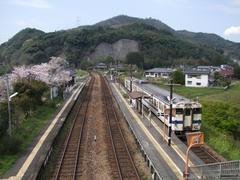 右が日田彦山線です…夜明駅にて