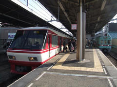 西鉄久留米駅にて…車両は西鉄の特急8000形