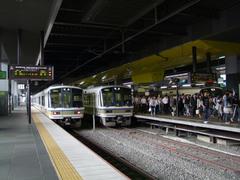 ちょうど朝ラッシュの時間帯だった山陰本線京都駅