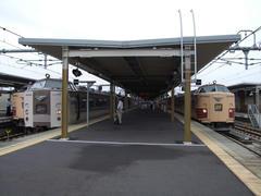 福知山駅にて…双方の特急列車で乗り換えが可能