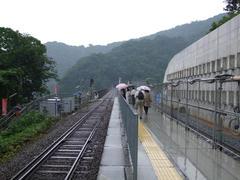 雨の中、やはり余部橋梁目的の乗客がチラホラ…