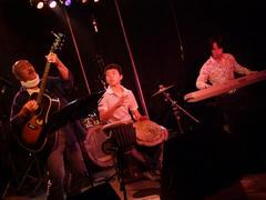 昨日の、飯田でのライブの写真です