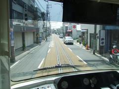 江ノ電の運転台は、中央に位置しています