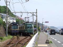 峰が原信号所で行き交う列車