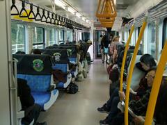 最近の東京を走る列車の雰囲気も受け継いでますね