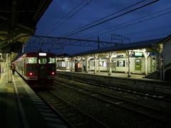 終点、小諸駅にて…左側ホームは、しなの鉄道