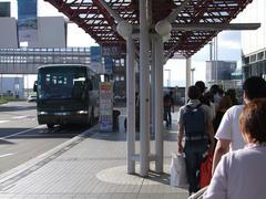 バス停には、予想以上の列が…