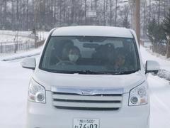 高橋カーを、前の車から激写!