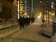 雪道を歩く GG 一同…ロシアの軍隊みたい…