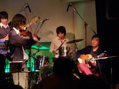 バイオリン・メインは、やはり物珍しく感じます