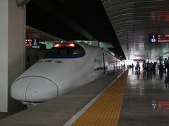 日本の新幹線を参考に造られたという、中国国鉄の車両にも乗れました!