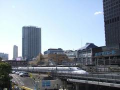少しクラシカルな雰囲気の、モノレール浜松町駅