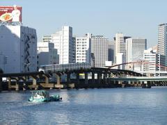 京浜運河の脇を走ります
