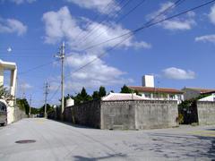 慶留間島の…中心部
