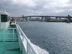 那覇港に到着!
