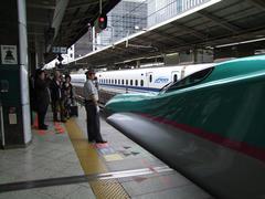 東京駅に到着!…やはり人気者です