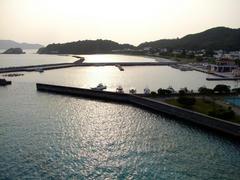 阿嘉大橋から望んだ、阿嘉島の村落