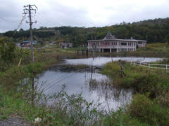 安全の為に造った奥の建物が浸水しているという…