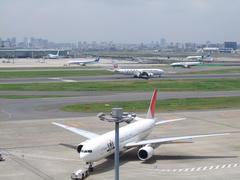色々な航空会社の飛行機を収める事が出来ました♪