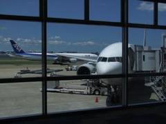 2つ隣りのゲートだった事が救われた、羽田空港行きの飛行機、ボーイング777型