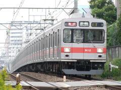 現在、東横線では最古参になってしまった9000系…都立大学駅~自由が丘駅間にて