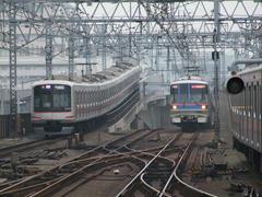 武蔵小杉駅~元住吉間では、東横線と目黒線が上下に分かれます