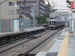 綱島駅…ホームの延長が行われています