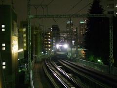 東白楽駅の先で、地下に入ります