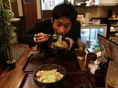 藤田君と、本番前に腹ごしらえ
