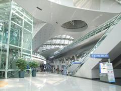 仁川空港の、空港鉄道乗り場方面…