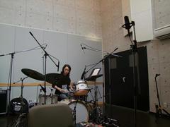 ドラム録りは広い場所で…