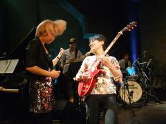盛り上げ役として、ギターは重要です!