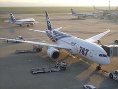 朝日が眩しかった羽田空港