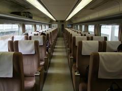 2列×2列シートになっている、現在の100系車内