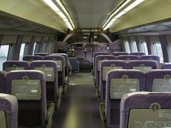 500系先頭車の車内…新大阪側には、子供用の運転席が!