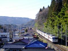 群馬田原町駅を過ぎ、いよいよ山間へ…