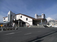青空の中の御殿場駅(写真は、帰りに撮ったものです)