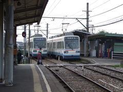 日中は、半数の列車がこの筑豊中間駅で折り返します
