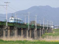 遠賀川の橋梁は立派です!…手前が筑豊直方側です