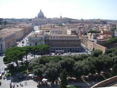 遠くにサン・ピエトロ大聖堂が見えますね