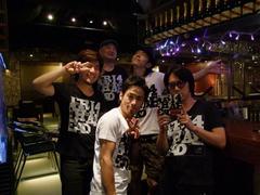 メンバー皆、TRI4TH Tシャツ!