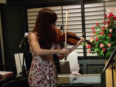 Kuro ではお馴染み、バイオリン演奏
