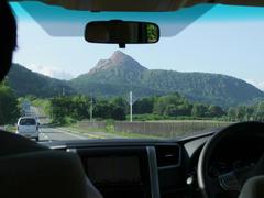 車内からは、有珠山(昭和新山)も見えました