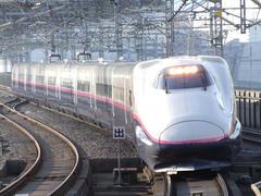 東北新幹線の当時の主力、E2系『はやて』号
