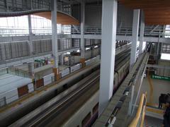 いかにも新しい駅ですね…七戸十和田駅にて