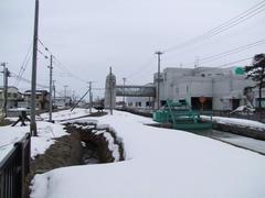 十和田市駅全景…右の建物の中にバスも到着します